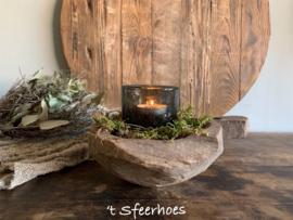 unieke oud doorleefde houten kandelaar met handvat