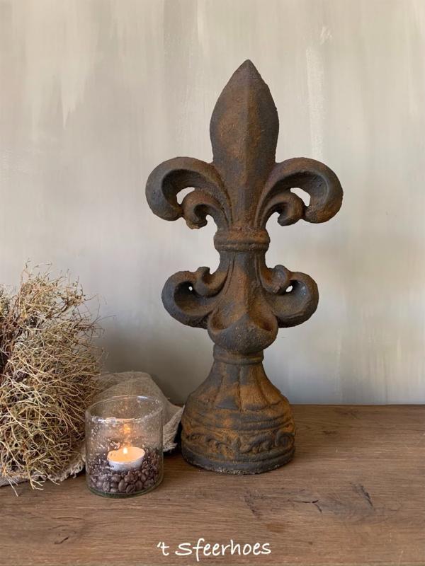 stenen Franse lelie ornament