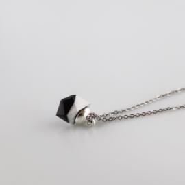 Drupt Hanger Crystal Black & White