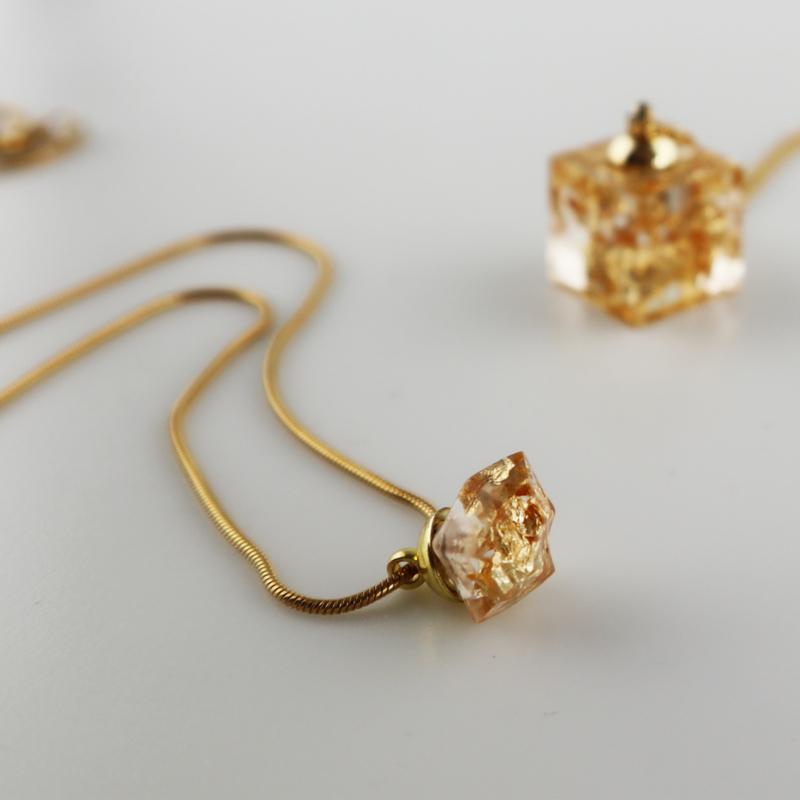 Drupt Hanger Crystal Golden Cloud