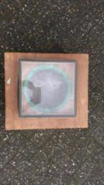 Houten kist met venster 42x46x27cm