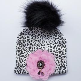 Wintermuts leopard/luipaardprint met roze bloem en bling applicatie