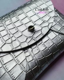 Pouchy clutch || tasje portemonneetje zilver krokodillen motief