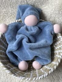 Knuffeltje - bamboe-katoen blauw met roze huidskleur