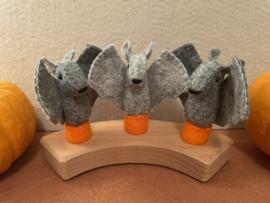 Jaarringsteker vleermuis middengrijs- Year ring plug bat middle grey