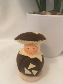 Paddenstoel bol/  mushroom ball - bruin