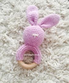 Gehaakte rammelaar konijn lila