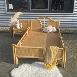 Webbing bed + kastje