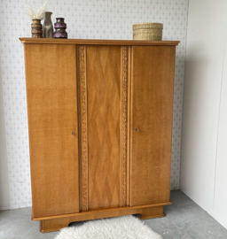 Vintage kledingkast