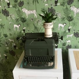 Vintage typemachine legergroen