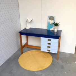 Bureau met ladeblok