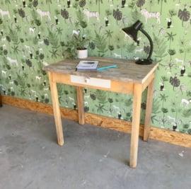 Brocante schrijftafeltje