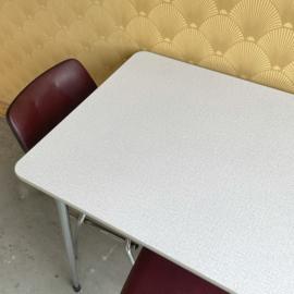 Tafel & 3 stoelen