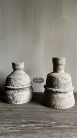 Stenen waxine kandelaar (linker)