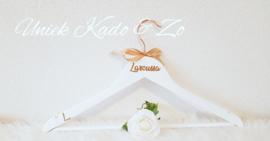 Bronskleurige witte hanger bride