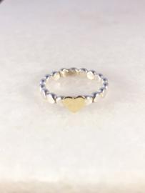 Platte pareldraad ring met geel goud hartje
