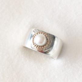 Zilveren ring met parel