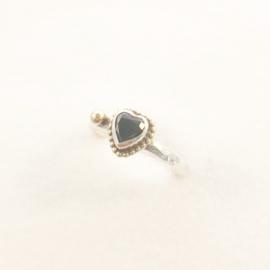 Hamerslag ring met zwart hartje