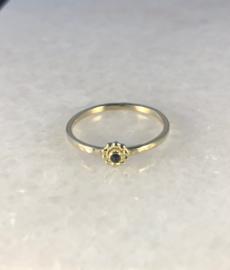 Gouden bloemetjes ring met toermalijn