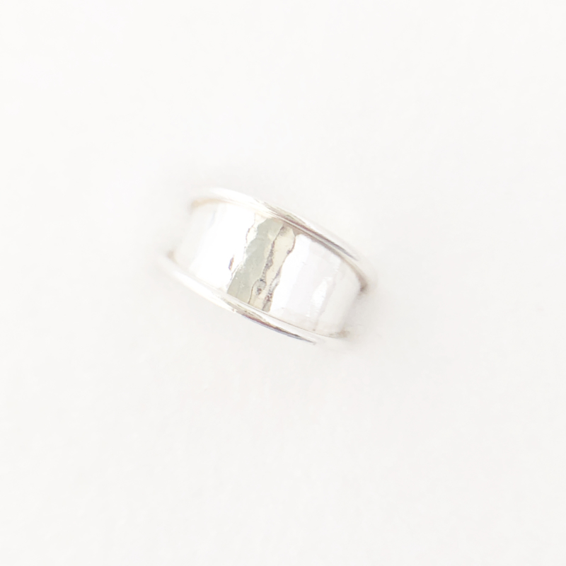 Zilveren ring hamerslag