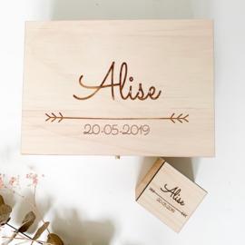 Set: houten kist en spaarpot