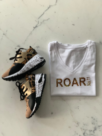 """ROAR NO.11""  Tijger Black or White T-Shirt"