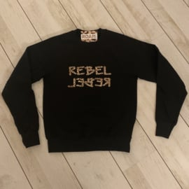 """REBEL ⅃ƎꓭƎЯ""  Sweater Black Leopard"