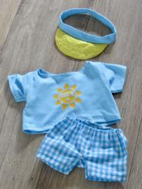 Zonneklep, shirt en korte broek v. handpop