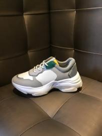 Sneaker green