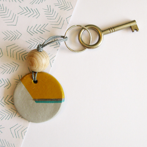 Barabrenda | Sleutelhanger grijs & oker met grijs koord