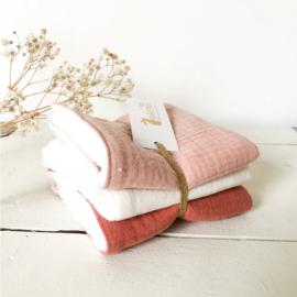 Setje van 3 zachte babydoekjes - roze tinten