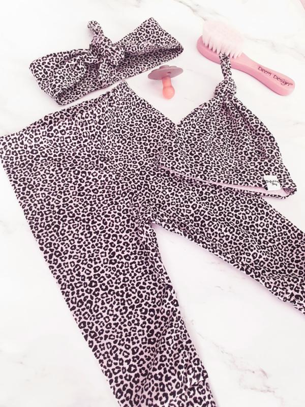 New born mutsje - leopard roze