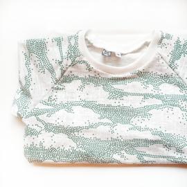 Raglan shirt, clouds, maat 116
