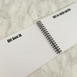 Invulboek 'Babybezoekboek'  ZWART