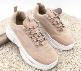 BEIGE FOR THE WIN sneakers