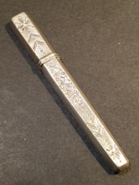 zilveren naalden koker 7.5 cm 1880 Gelderland