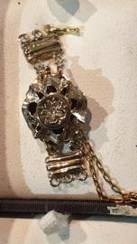 Gouden antieke sluiting voor twee rijen met zij stukken 13 bij 30 mm