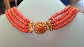 Antiek gouden bloedkoraal collier met streekslot hoge kwaliteit 36 cm
