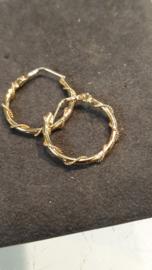 14 Kr, gouden creolen met getorste goud draad  2 cm  2.4 gram