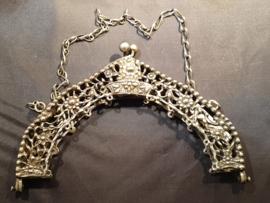 Zilver tasbeugel model Hoorns maar gemaakt door W.F. Ehule Den haag 1881