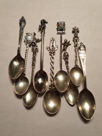 9x lepels door elkaar 90 gram gemiddeld 10 cm zilver