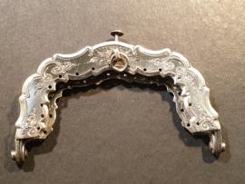 Zilver beugeltje 1891 meester Reitsma Friesland nette staat