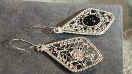 zilveren filigrein bellen met onyx 5 cm lang