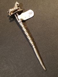 Oude zilveren pijpenragger . wroeter 1858