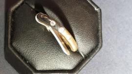 Twee kleuren goud dames ring maat 17.5 3 mm breed met 3x zirkonia