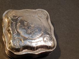 Antiek zilver Pillen/lodereindoosje  Bernadus E.A. Wientjes Enschede 1862