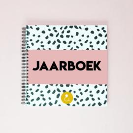 Jaarboek - invulboek voor 12 maanden - roze