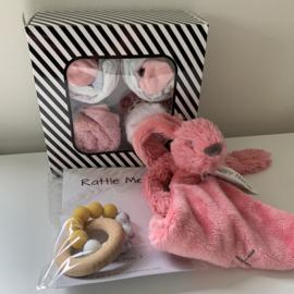 Cupcakes  + Chewie basic rattle mini + happy horse rabbit richie tuttle