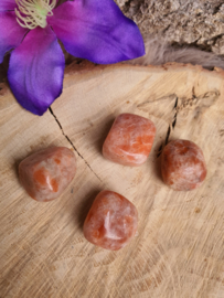 Zonnesteen trommelsteen (1e kwaliteit) 13-20gram