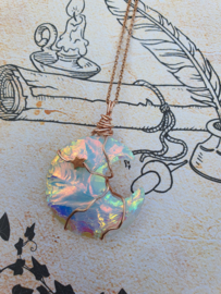 Wire wrapped Maan hanger Angel aura kwarts. (nr 1)